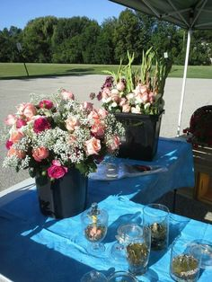 Farmers market Farmers Market, Floral Design, Table Decorations, Furniture, Home Decor, Decoration Home, Room Decor, Floral Patterns, Home Furnishings
