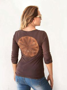 Brown  t-shirt with 3/4 sleeves with upcycled vintage crochet doily back jersey t-shirt - Size S-M