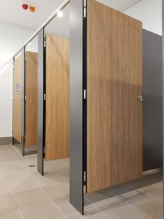 Aqualoo Regent - Compact laminate, pinned directly to the floor with round overhead brace. Wc Design, Toilet Design, Washroom Design, Bathroom Interior Design, Cubicle Design, Church Interior Design, Luxor, Modern Toilet, Room Divider Curtain