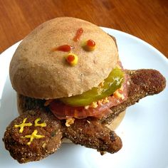 Dead Man Burger - #vegan #halloween #recipe