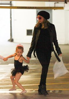 Nicole Richie and daughter. Nicole Richie Daughter, Celebrity Moms, Celebrity Style, Mother Pictures, Daughter Love, Daughters, Family Affair, Celebs, Celebrities