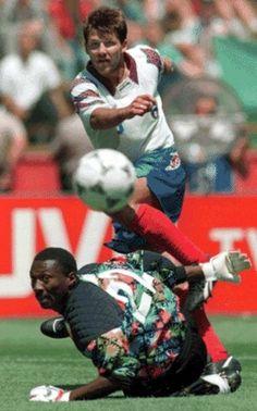 El ruso Oleg Salenko hizo historia al marcar 5 goles en un partido ante Camerún