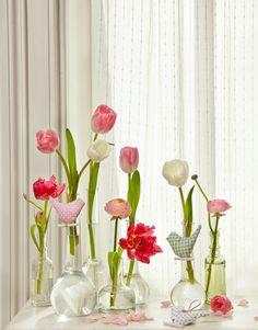 Schön geschmückt bei www.servusmarktplatz.com Glass Vase, Home Decor, Home And Garden, Nature, Schmuck, Nice Asses, Decoration Home, Room Decor, Home Interior Design