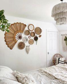 Cheap Home Decor, Diy Home Decor, Living Room Decor, Bedroom Decor, Decor Room, Boho Room, Baskets On Wall, Bohemian Decor, Home Decor Inspiration