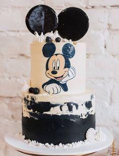 Bolo Mickey, Mickey Cakes, Mickey Mouse Cake, Minnie Mouse, Mickey 1st Birthdays, Mickey Mouse First Birthday, Baby Birthday Cakes, Baby Boy Cakes, Birthday Kids