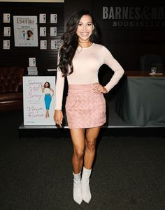 Glee star Naya Rivera had a minor role in Baywatch when she was only 12 years old! She played a little girl on the beach with her father. Celebrity Scandal, Celebrity Moms, Naya Rivera Glee, Glee Cast, Dianna Agron, I Miss Her, Sarah Michelle Gellar, Baywatch, Star Girl