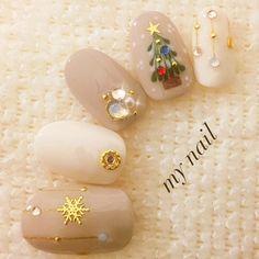 Nude Christmas nails