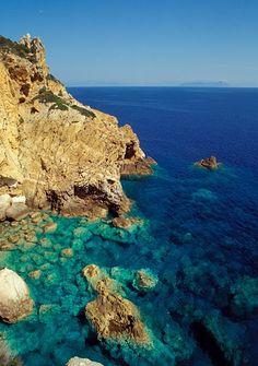 Isola di #Ponza #vacanze - http://www.amando.it/tempo-libero/viaggi-vacanze/ponza-vacanze-mare-informazioni.html