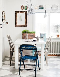 Decorate with Vintage Items //  79 Ideas