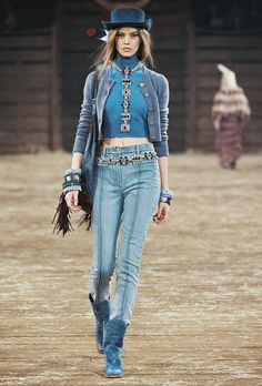 Chanel pre-fall 2014.  Western-inpsired outfit.  #equestrianfashion #westernfashion #charleighscookies