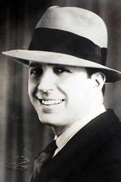 Carlos Gardel - cantante argentino (tango)