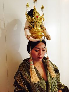 Thai style head piece #master beautiful # love it #rent and sell # made to order #Thunyatorn Thai dress NYC