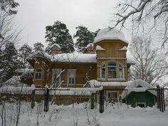 Вырица, ул. Самарская д.1/ ул. Московская д.2. by Kuznechik, via Flickr