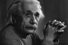 Sal a hacer fotografías con Albert Einstein: citas y frases del científico que pueden ayudarte a crecer como fotógrafo.