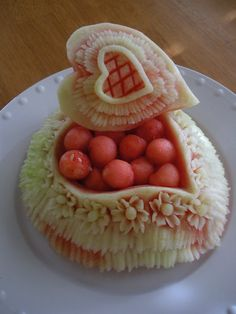Carved Watermelon Heart by Chuncarv on deviantArt - Food Carving Ideas Carved Watermelon Heart di Ch Veggie Art, Fruit And Vegetable Carving, Watermelon Carving, Carved Watermelon, Watermelon Art, Food Sculpture, Sculpture Ideas, Art Sculptures, Deviantart