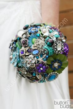 Peacock Brooch Bouquet - Nic's Button Buds