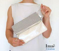 Pochette pliée en cuir ivoire et coton rayures grises et écrues : Sacs à main par imae