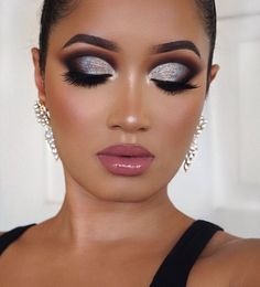 Gorgeous @annybeeutee glam featuring Private Island High Gloss ✨ Huda Beauty, Beauty Makeup, Flutter Lashes, Melt Cosmetics, Kylie Cosmetic, Foundation, Dose Of Colors, Lip Kit, Loose Powder