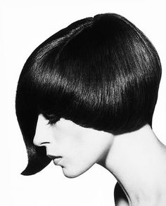 Danae Brook wearing an asymmetrical haircut by Vidal Sassoon, 1964