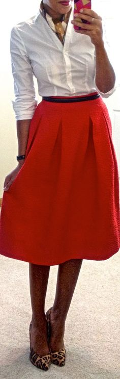 Red midi skirt | Neck scarf.