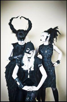 'Witch Dames' Dark Beauty Magazine degenerotika Dark Fashion performer looks Tallulah Freeway Clea Cutthroat Evilyn Frantic Evz Frantti style Thea B. Adora — with Clea Cutthroat.