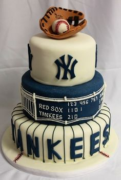 New York Yankees Cake  Rehearsal Dinner Ideas cakepins.com