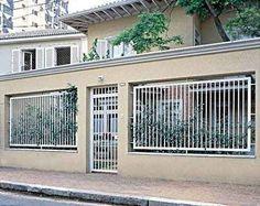 Resultado de imagem para fachada de muros com portão para garagem