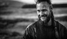 Teach us your photography ways, @alexhoeghandersen. Also, looking good @jordan_patrick_smith! #Vikings