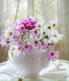 Beautiful Flowers Pictures, Flower Pictures, Amazing Flowers, Pretty Flowers, Vintage Flower Arrangements, Beautiful Flower Arrangements, My Flower, Flower Vases, Flower Art