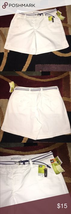 FREE TOP/ LEE INSTANTLY SLIMS YOU SHORTS LEE INSTANTLY SLIMS YOU WHITE SHORTS WITH TUMMY CONTROL N SPLITS NEW WITH TAG SIZE 12 Lee Shorts