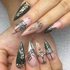 Khaki nail art