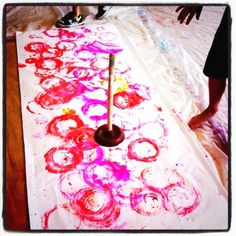 Plunger art. Great way to have fun creating with kids