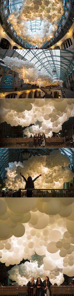 A Cloud of Illuminated Balloons Suspended Inside Covent Garden by Charles Pétillion. Beautiful art installation in London! Covent Garden, Color Terciario, Instalation Art, Art Plastique, Light Art, Public Art, Sculpture Art, Amazing Art, Cool Art