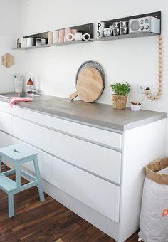 In der Küche eignet sich Design-Vinylboden besonders gut: leicht zu säubern und quellen tut hier auch nichts!