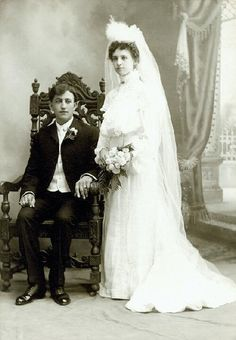 Wedding portrait of George and Eleanor Hirsch. Ca. 1895. Missouri History Museum collection. #vintagewedding
