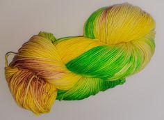 Wolle handgefärbt auf Lanartus Fine Merino Socks 8 favh www. Fashion, Threading, Moda, Fashion Styles, Fashion Illustrations