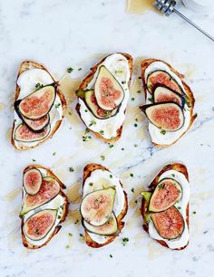These easy figs on toast with labneh are super simple and quick to make. This recipe is creamy yet low in calories, and veggie friendly. Ready in just 15 minutes these make for a mouth-watering breakfast, brunch or snack
