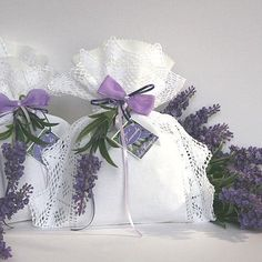For Christmas I like to make pretty sachets of lavender to give to friends and family....