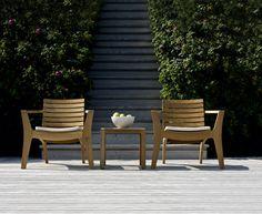 כורסאות נמוכות לגינה, עשויות מעץ טיק, מעניקות השראה לכל פינת ישיבה