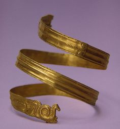Bracelet, Late 4th century BCE, Russia (now Ukraine) The Hermitage Museum