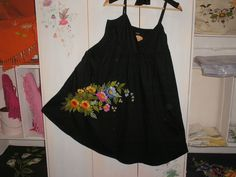 Mini vestido, preto, 100% algodão, bordado feito à mão Mini dress, black, 100% cotton, embroidered handmade
