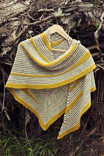 Kith shawl by Justyna Lorkowska in Ravelry. Tukuwool yarns.