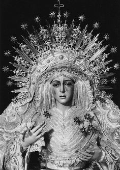 our lady of perpetual sorrows Crown Drawing, Our Lady Of Sorrows, Dark Love, Immaculate Conception, Portrait Pictures, Spiritus, Sacred Feminine, Holy Mary, World Religions