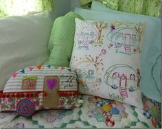LOVE this little pillow! from The Vintage Bag Lady's blog May 2014. Want to make this!