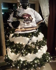 Decorating the tree hockey style Best Picture For Hockey Girlfriend posters For Your Taste You are looking for something, and it is going to tell you exact Hockey Crafts, Hockey Decor, Hockey Room, Christmas Float Ideas, Christmas Tree Decorations, Christmas Crafts, Holiday Decor, Christmas Cookies, Hockey Girlfriend