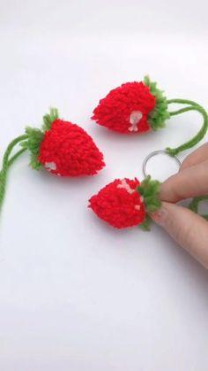 Diy Crafts For Gifts, Diy Home Crafts, Diy Arts And Crafts, Diy Crafts Videos, Creative Crafts, Paper Flowers Craft, Flower Crafts, Diy Flowers, Paper Crafts