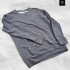 • In dubt about what to wear? Choose this casual sweatshirt for the evening by #PrimoEmporio •  Online Store:  www.primoemporio.it  ______  For Info and Collaborations contact us on:  shop@primoemporio.it  #primoemporio #newcollection #spring #summer #ootn #ootd #mensstyle #fashion #swag #sweater #sweatshirt #outfittoday #igers  #style #polishboy #streetwear