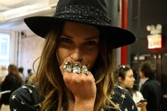 Erin wasson hat and chunky rings Erin Wasson, Boho Rock, Punk Shoes, Rock Style, Swagg, Her Hair, Style Icons, Ideias Fashion, Fashion Beauty