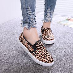 Encontrar Más Moda Mujer Sneakers Información acerca de Entrega gratuita 2014 bajo zapatillas de canvas para mujer leopardo imprimir pedal zapatos de envolver el pie perezoso zapatos de plataforma, alta calidad zapatos de caído, China de zapatos de fútbol Proveedores, barato zapatos zapato de bebé de John's shoe house en Aliexpress.com