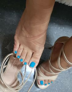 I love women's feet! Sexy Legs And Heels, Sexy High Heels, High Heels Stilettos, Strappy Heels, Pretty Toe Nails, Pretty Toes, Blue Toes, Nail Polish, Beautiful Toes